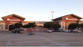 Randalls store front picture at 10228 W Broadway St in Pearland TX