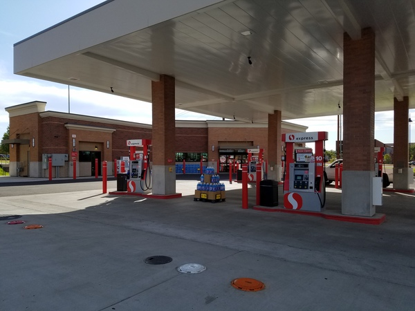 Safeway Fuel Station Store Front Picture - 1801 W Main St in Bozeman MT