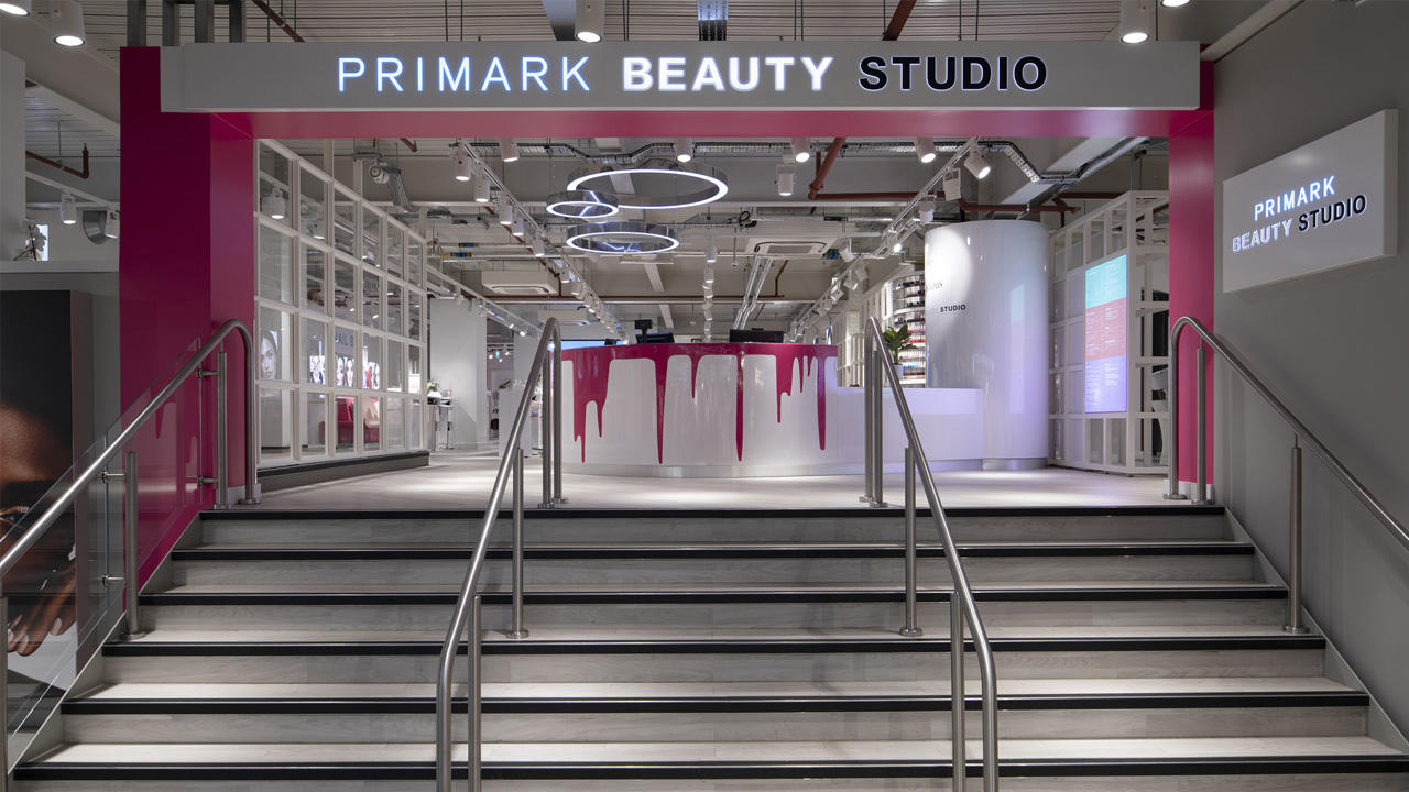 Birmingham Primark Beauty Studio front reception