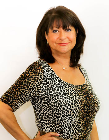 Sally Guzzone Agent Profile Photo