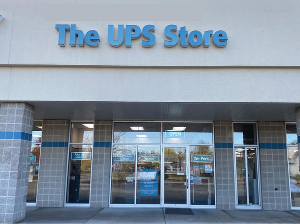 Facade of The UPS Store Sun Prairie