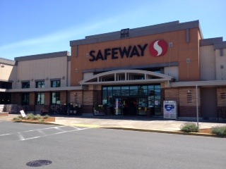 Safeway Store Front Picture at 1815 4th St in Tillamook OR