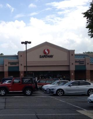 Safeway Store Front Picture at 2304 Hunter's Woods Plaza in Reston VA