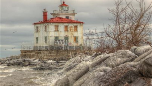 Winter comes to the Fairport Harbor Lighthouse
