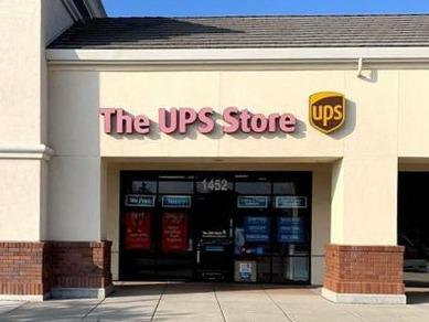 Facade of The UPS Store Livermore