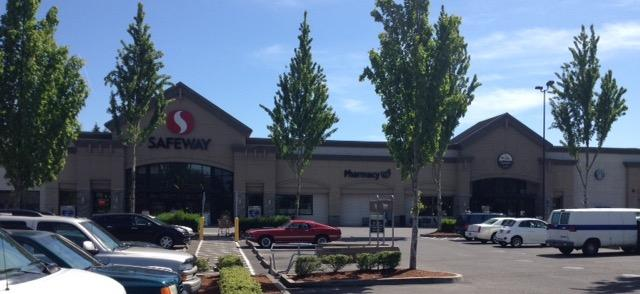 Safeway Store Front Photo at 4320 SE King Rd in Milwaukie OR