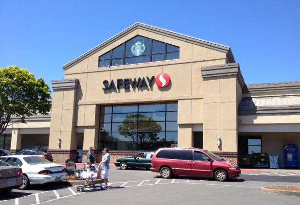 Safeway store front picture of 4101 NW Logan Rd in Lincoln City OR