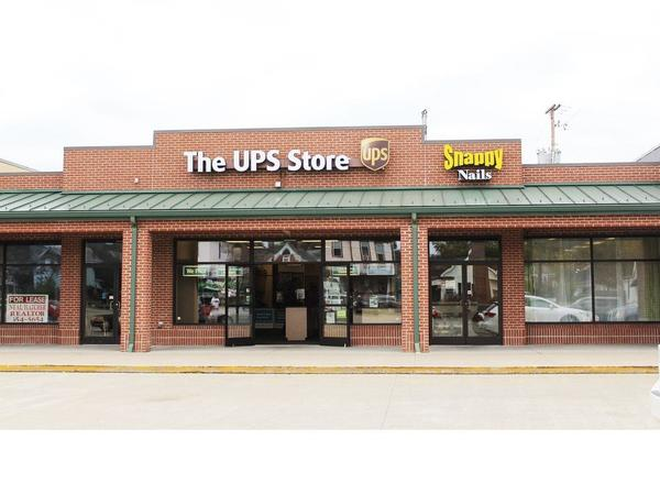 Facade of The UPS Store Portsmouth