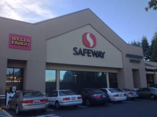 Safeway Store Front Picture at 6911 Coal Creek Parkway in Newcastle WA