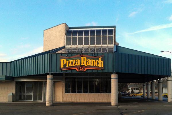 Pizza Ranch Front Photo