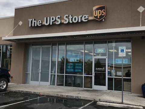 Facade of The UPS Store Santa Fe