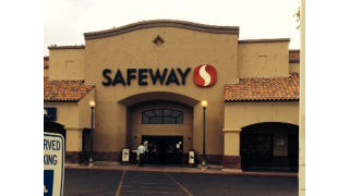 Safeway Store Front Picture at 340 E McDowell Rd in Phoenix AZ