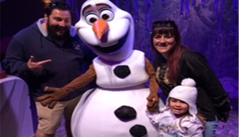 Jimmy, Nicole, Lilly, & Olaf @ Disneyland