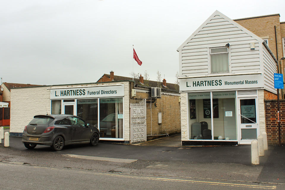 L Hartness Funeral Directors in Bicester