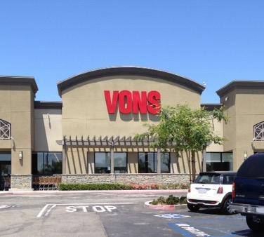 Vons Store Front Picture at 4705 Torrance Blvd in Torrance CA