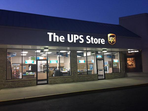 Exterior storefront image of The UPS Store #2339 in Pensacola, FL