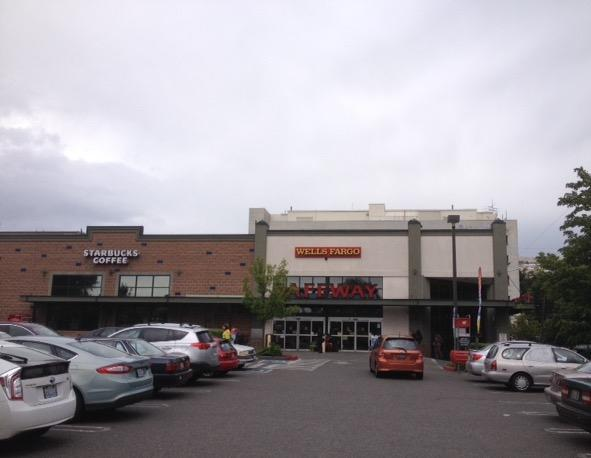 Safeway Store Front Picture at 1410 E John St in Seattle WA