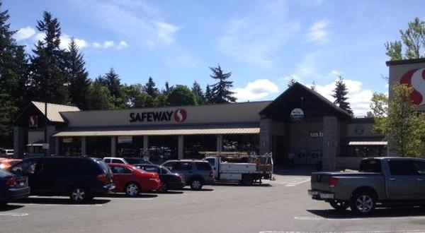 Safeway 15th Ave NE Store Photo