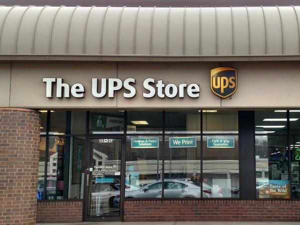 Facade of The UPS Store Vernon