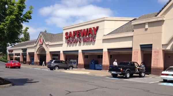 Safeway Salamo Rd Store Photo