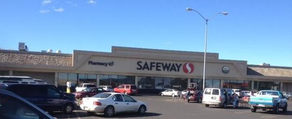 Safeway Store Front Picture at 711 W 1st Ave in Toppenish WA