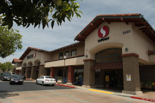 Safeway Store Front Picture at 2980 E Capitol Expy in San Jose CA
