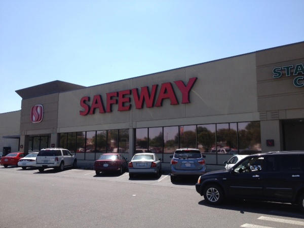 Safeway store front picture of 1803 George Washington Way in Richland WA