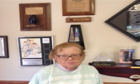 Meet Joyce, 62 years with Farmers® and 50 with the Burger Agency!!