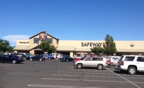 Safeway Store Front Picture at 610 E Wine Country Rd in Grandview WA