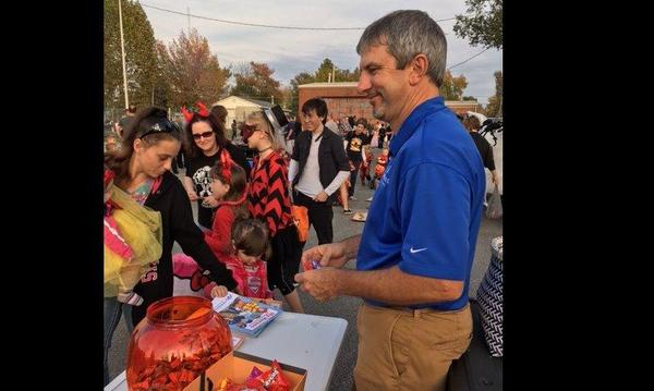 2016 Marion Police Dept. Trunk or Treat was a big success with lots of costumes and treats!
