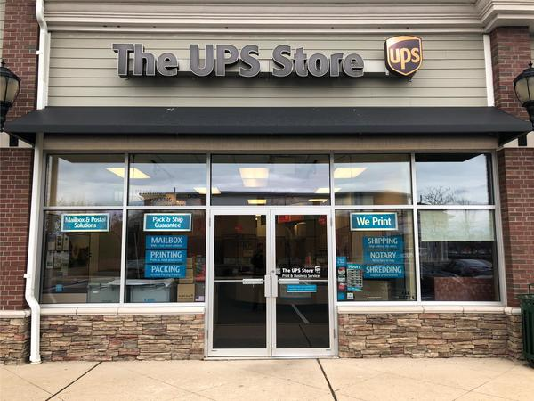 Facade of The UPS Store Somerset