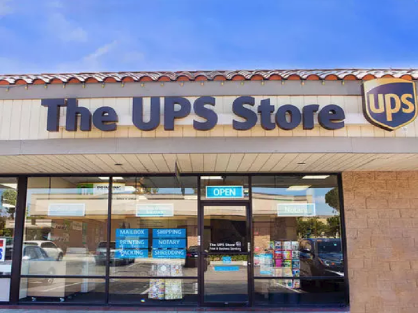 Facade of The UPS Store Simi Valley