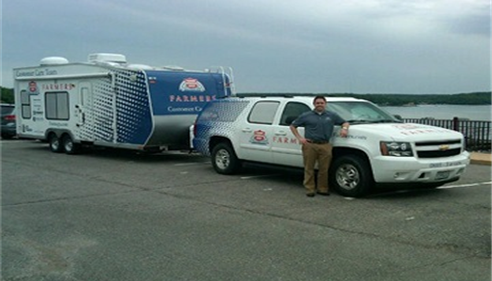 One of Farmers® Claims Response Vehicles.