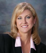 Vickie Lundquist Agent Profile Photo