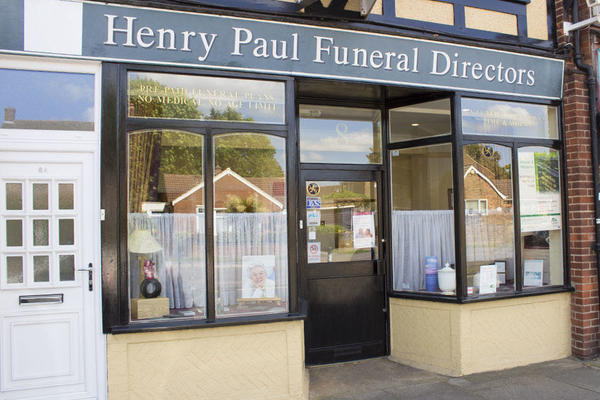 Henry Paul Funeral Directors in Ickenham, Middlesex.