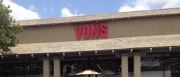Vons Store Front Picture at 155 California Blvd in Pasadena CA