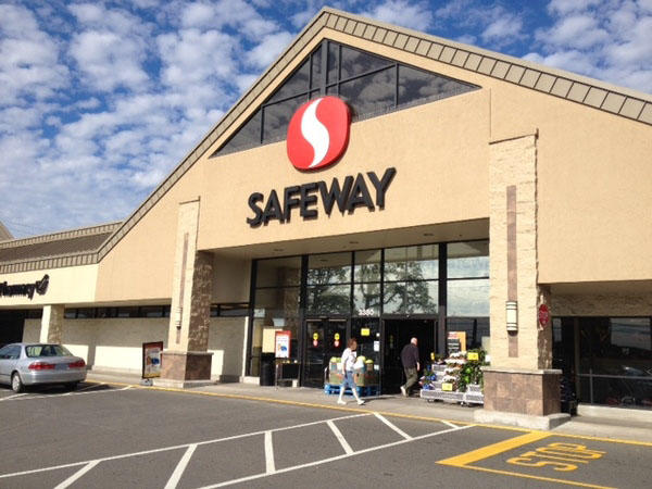 Safeway store front picture of 3380 Lancaster Dr in Salem OR