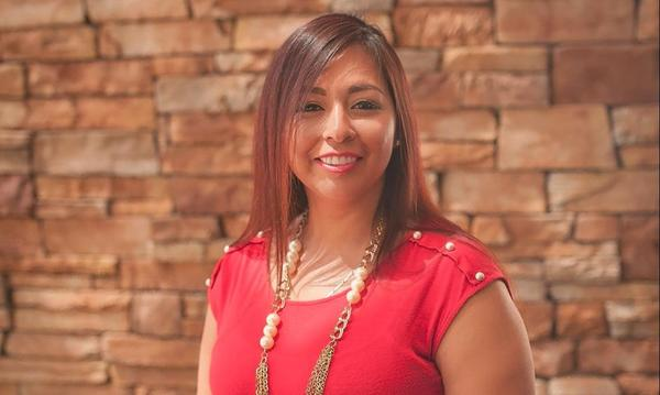 This is our valued Spanish Speaking, Licensed Sales Representative, Mayra!