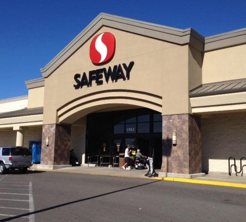 Safeway Store Front Picture at 1983 S Main St in Lebanon OR