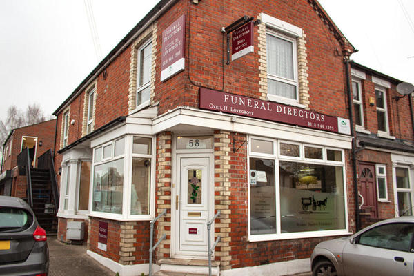 Cyril H Lovegrove Funeral Directors in Caversham, Reading