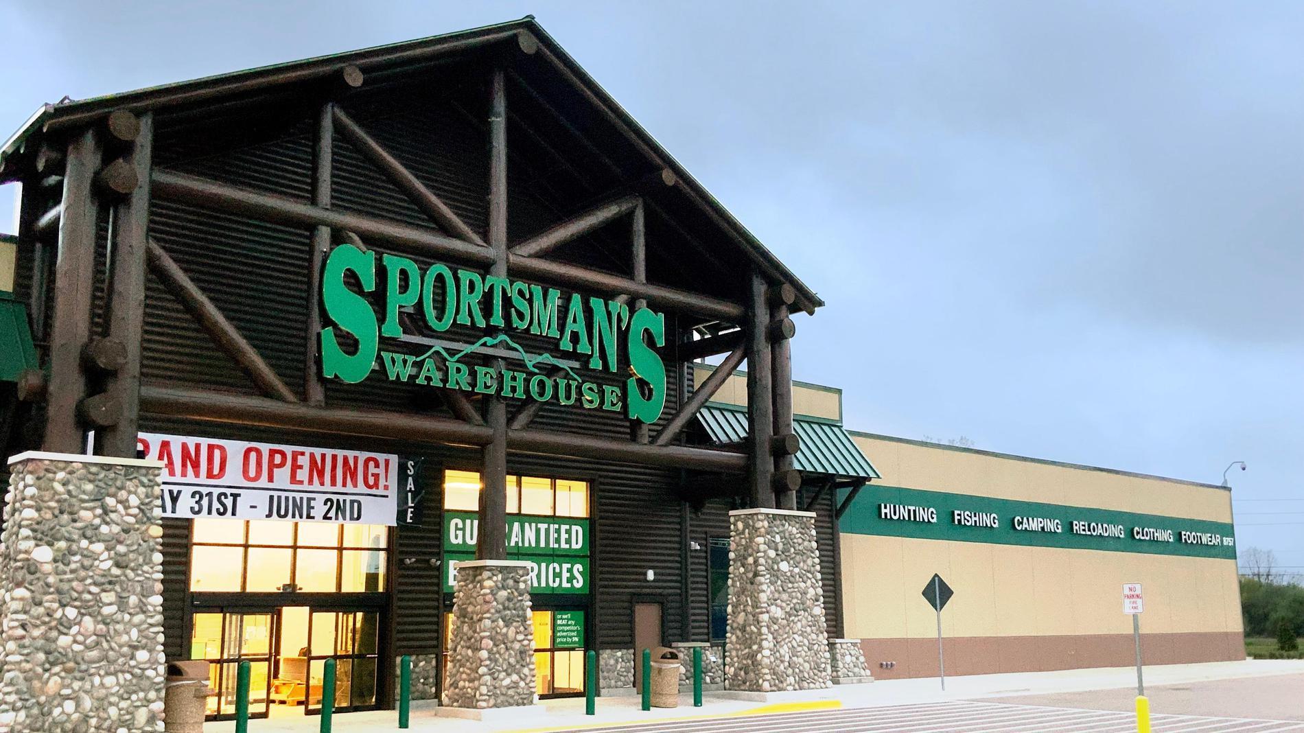 warehouse lansing sportsman mi outdoor sportsmans sporting stores market gear