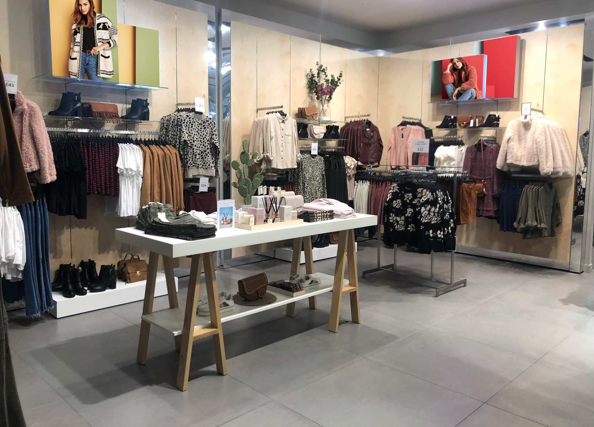 Dorothy Perkins store