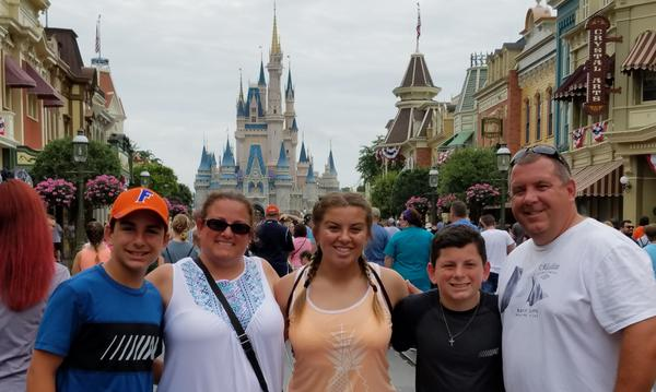 5 people at disney world