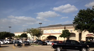 Tom Thumb Store Front Picture at 2755 N Collins St in Arlington TX