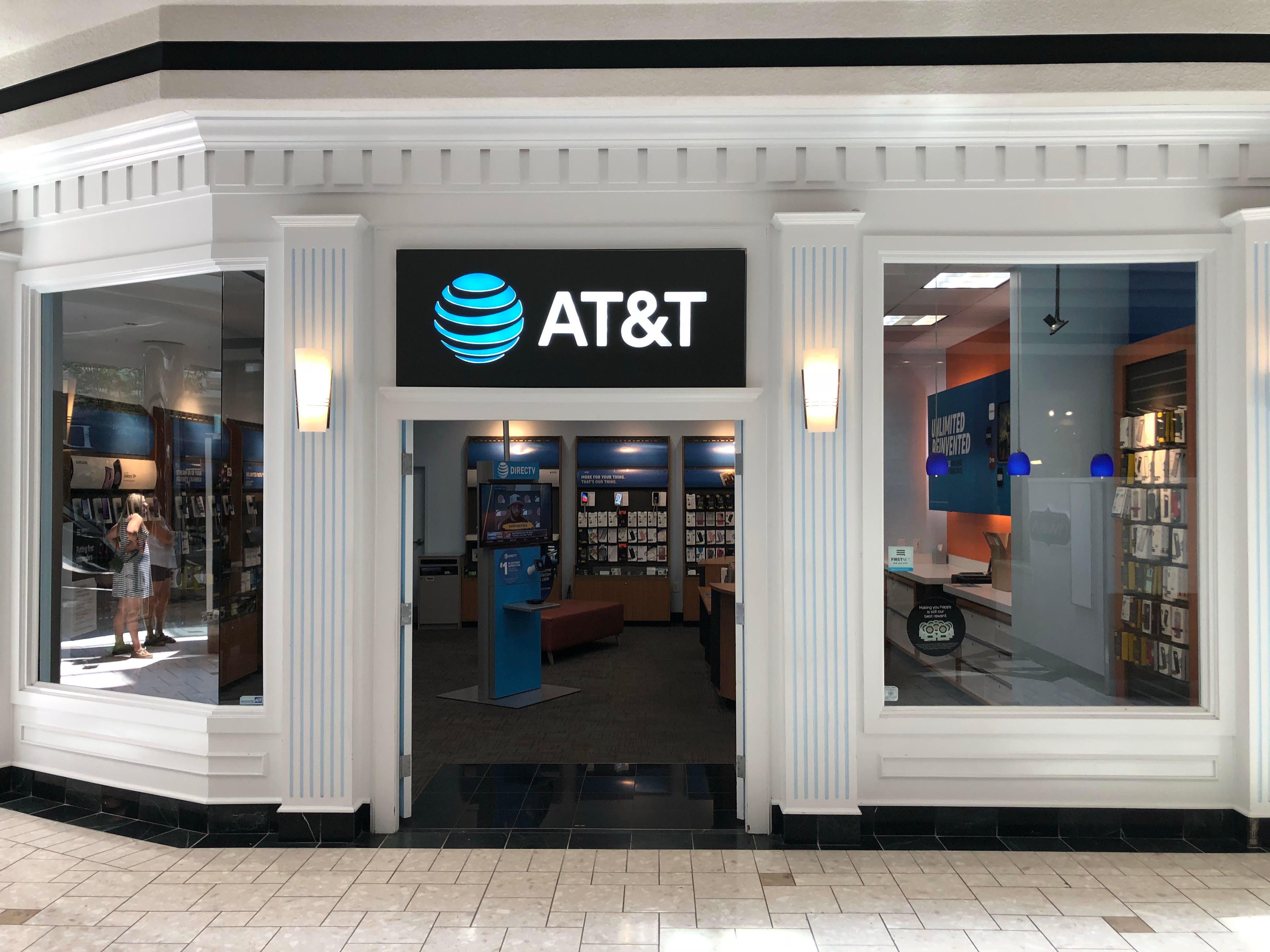 Exterior photo of AT&T at 300 Monticello Ave. Ste. 154 Norfolk, VA 23510