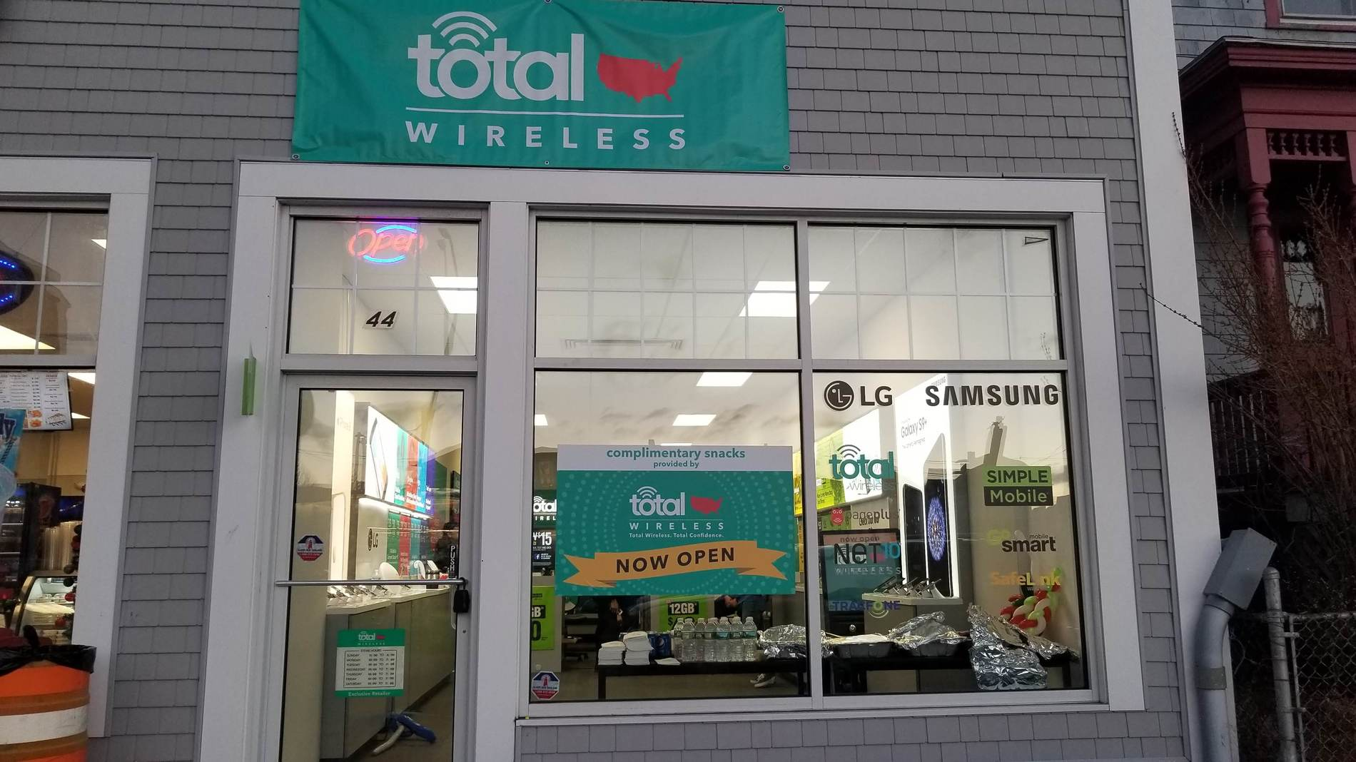 Total Wireless Store front image in New Bedford,  MA