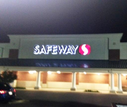 Safeway Store Front Picture at 4101 Northview Dr in Bowie MD