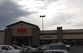 Vons Store Front Picture at 1190 N Main St in Bishop CA