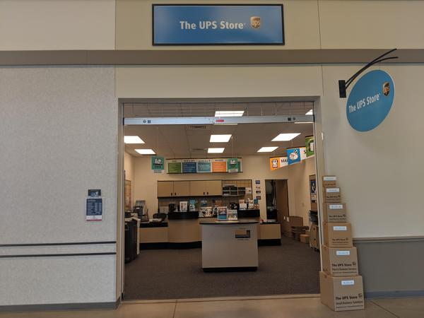 Front of The UPS Store #6274 in Fort Belvoir, VA