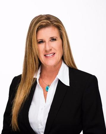 Rebecca Niessink Agent Profile Photo